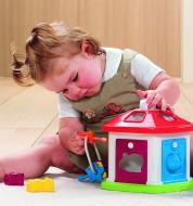 64273 Animal Cottage & child 2