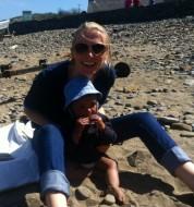 Anna Olivia seaside 2